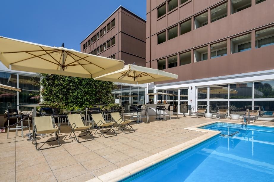 Prenota il tuo hotel a Parma con piscina esterna