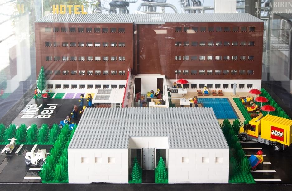 Il nostro hotel 4 stelle a Parma... versione Lego