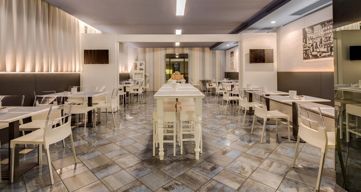 Il BW Plus Hotel Farnese e la sua ampia sala colazione